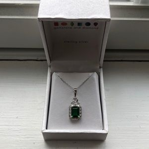 Sterling silver emerald pendant necklace